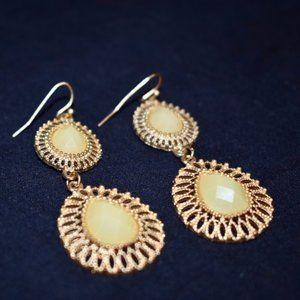 Cream stone / gold dangle earrings - NEW!